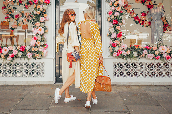 BELLE AND BUNTY LONDON FASHION BLOG SEZANE FLOWER WALL TOPSHOP DRESS